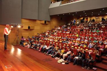Residentes do Lar S. José foram ao teatro
