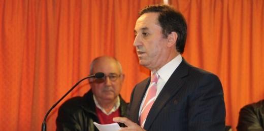 """""""VAMOS FAZER OBRA, CRIAR EMPREGO E AJUDAR MUITA GENTE"""" afirma Provedor"""